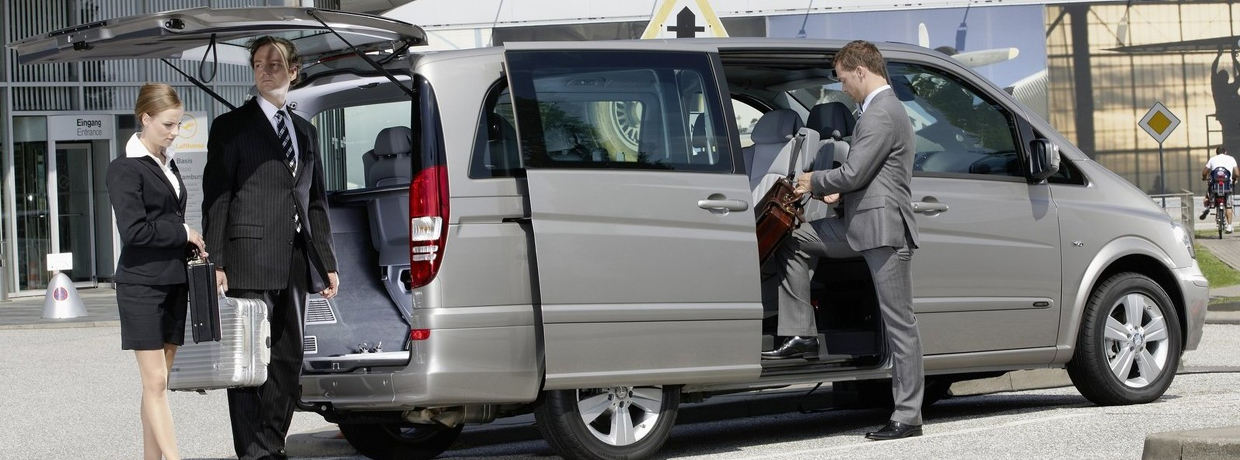 Limousine Service Transfer Airport To Rome Transfer